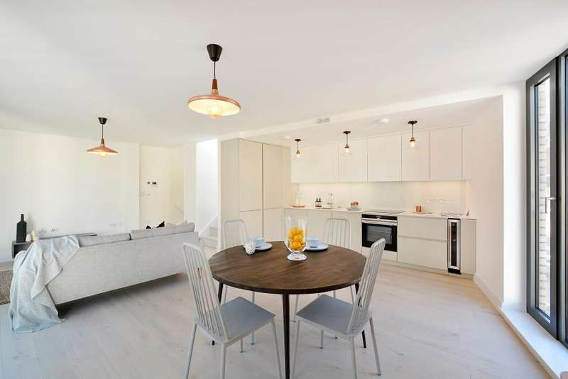 3 Bedrooms House for sale in Bayford Mews, E8
