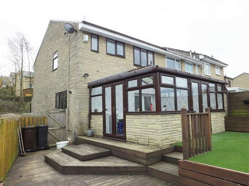 3 Bedrooms Town House for sale in Westgate, Barnoldswick, Lancashire, BB18