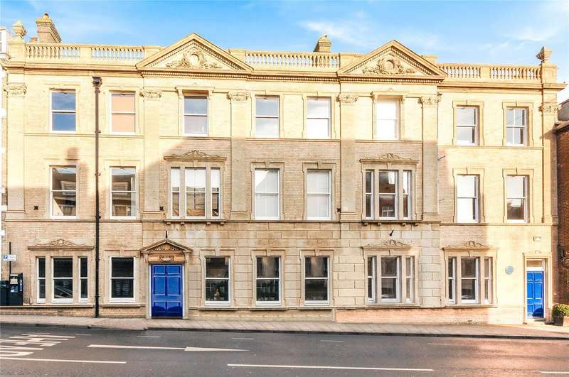 2 Bedrooms Terraced House for sale in 58 - 60 High West Street, Dorchester, Dorset