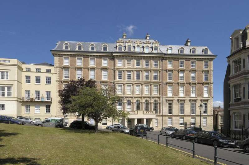 2 Bedrooms Flat for sale in Bridge House, Sion Place, Bristol, BS8