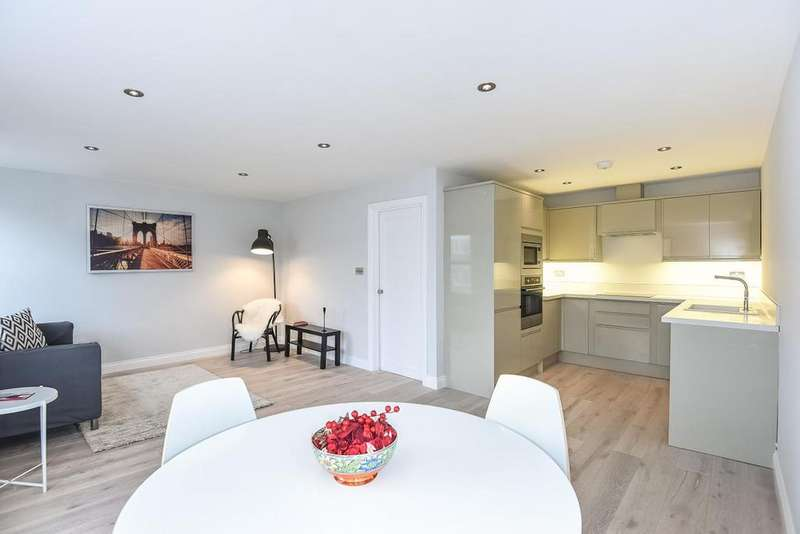 3 Bedrooms Flat for sale in Lime Grove, Shepherds Bush, W12