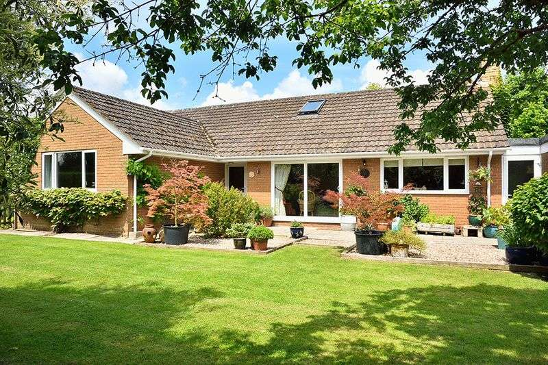 4 Bedrooms Detached Bungalow for sale in 4/5 Bedroom Bungalow on Pendock Lane, Pendock, Gloucestershire, GL19 3PL