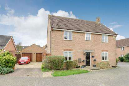 4 Bedrooms Detached House for sale in Norman Crescent, Middleton, Milton Keynes