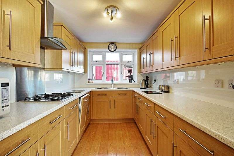 3 Bedrooms Semi Detached House for sale in Hull Road, Hedon