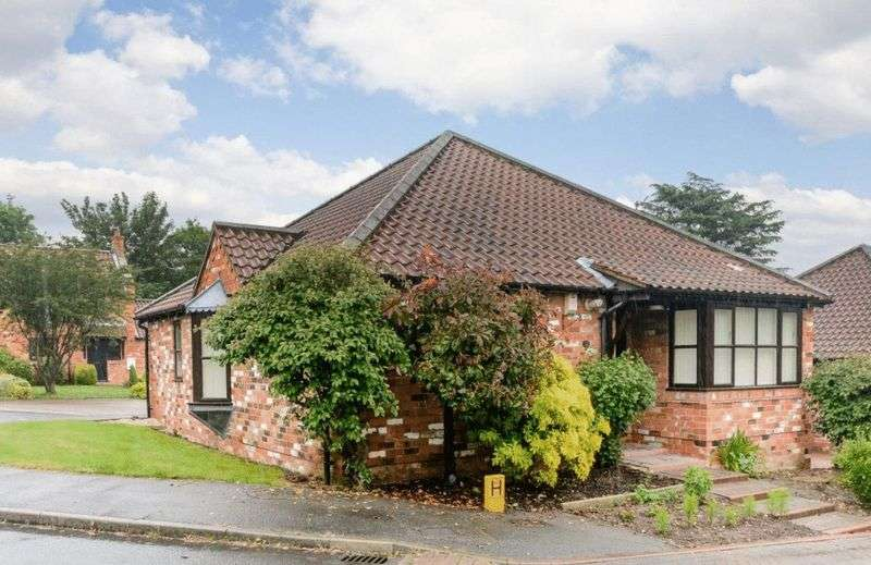 3 Bedrooms Bungalow for sale in The Grove, Barrow-Upon-Humber
