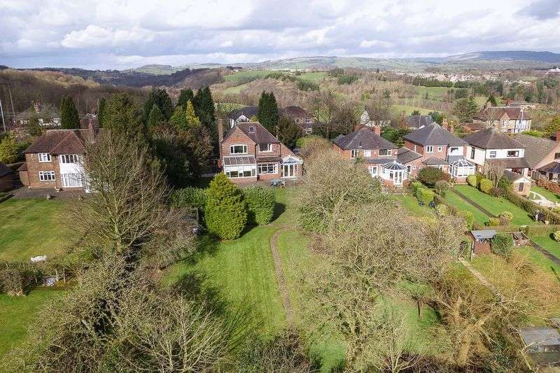 3 Bedrooms Detached House for sale in Ladderedge, Leek