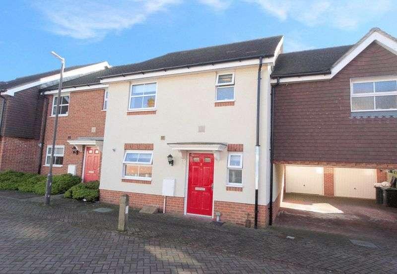 3 Bedrooms Terraced House for sale in Warren Gardens, Tonbridge