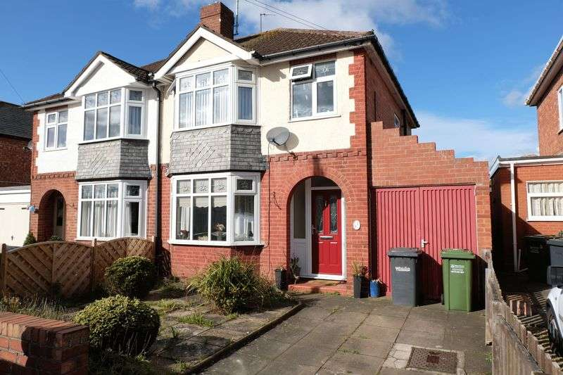 3 Bedrooms Semi Detached House for sale in Francis Road, Stourport-On-Severn DY13 8PL