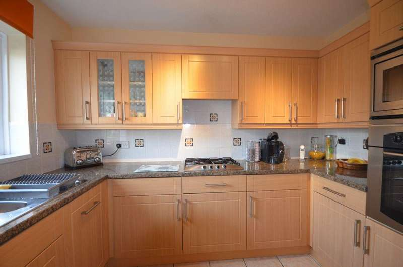 3 Bedrooms House for sale in Heywood Drive, Starcross, EX6