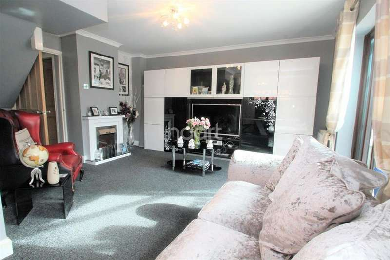 3 Bedrooms Semi Detached House for sale in Claudius Way, Witham, CM8
