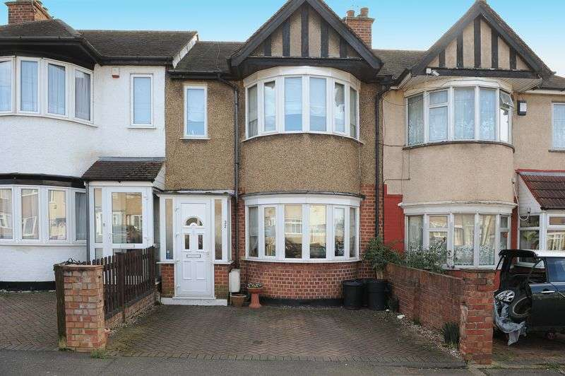 3 Bedrooms Terraced House for sale in Hartland Drive, Ruislip