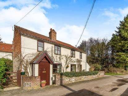 3 Bedrooms Detached House for sale in Castle Acre, King's Lynn, Norfolk
