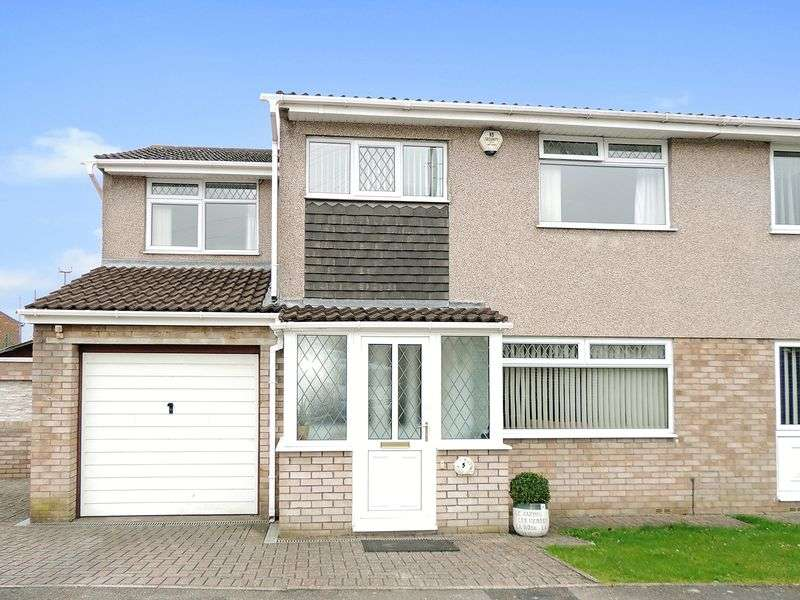 4 Bedrooms Semi Detached House for sale in Hunters Close, Hanham, Bristol