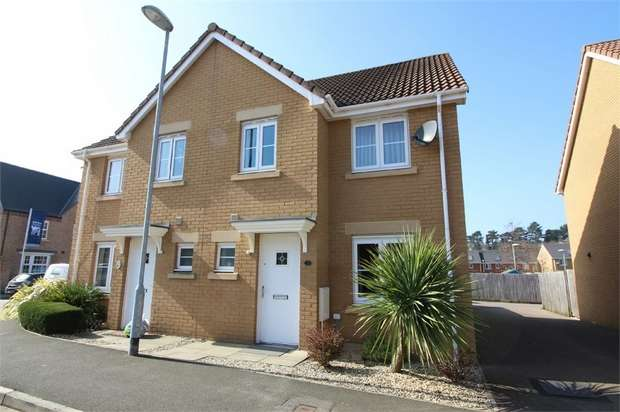 3 Bedrooms Semi Detached House for sale in Riverside Drive, Llanfoist, ABERGAVENNY, Monmouthshire