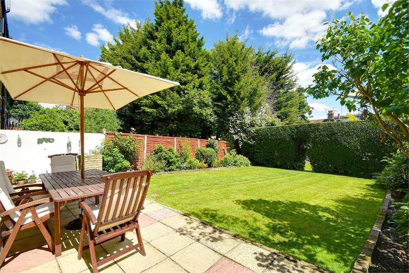 2 Bedrooms Flat for sale in Muswell Avenue, Muswell Hill, London