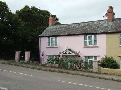 2 Bedrooms Semi Detached House for sale in Mawnan Smith, Falmouth, Cornwall