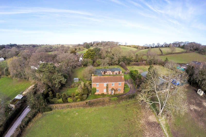 4 Bedrooms Detached House for sale in Blissford, Fordingbridge, Hampshire