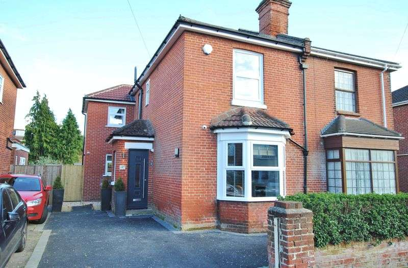4 Bedrooms Semi Detached House for sale in Manor Farm Road, Bitterne Park