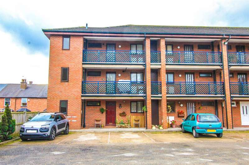 1 Bedroom Property for sale in Osnor Court, Coronation Terrace, Aston Fields, Bromsgrove