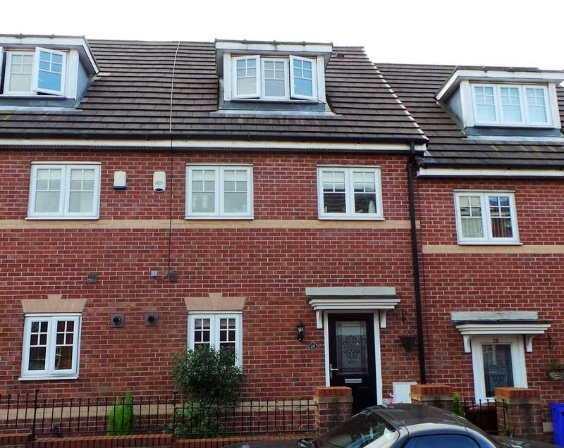 3 Bedrooms House for sale in Kilmaine Avenue, Manchester