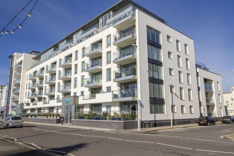 3 Bedrooms Flat for sale in Marine Parade, Worthing
