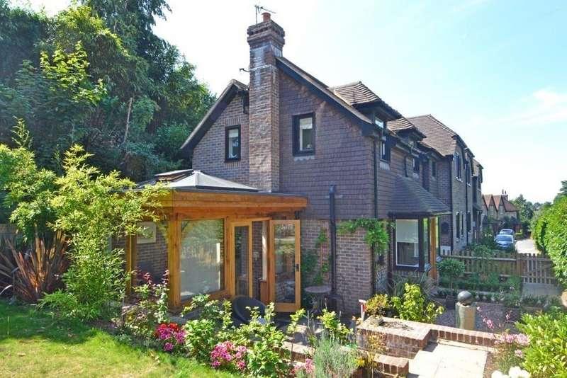 1 Bedroom Cottage House for sale in Manleys Hill, Storrington