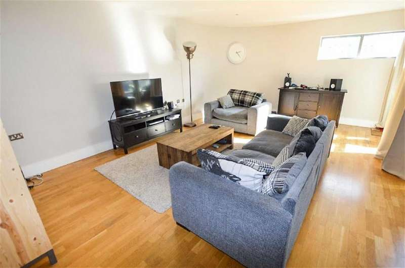 2 Bedrooms Apartment Flat for sale in The Lock, Southern Gateway, Manchester, M1