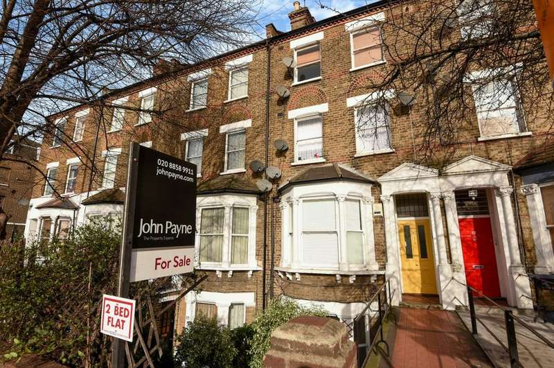 2 Bedrooms Flat for sale in Blackheath Road West Greenwich SE10