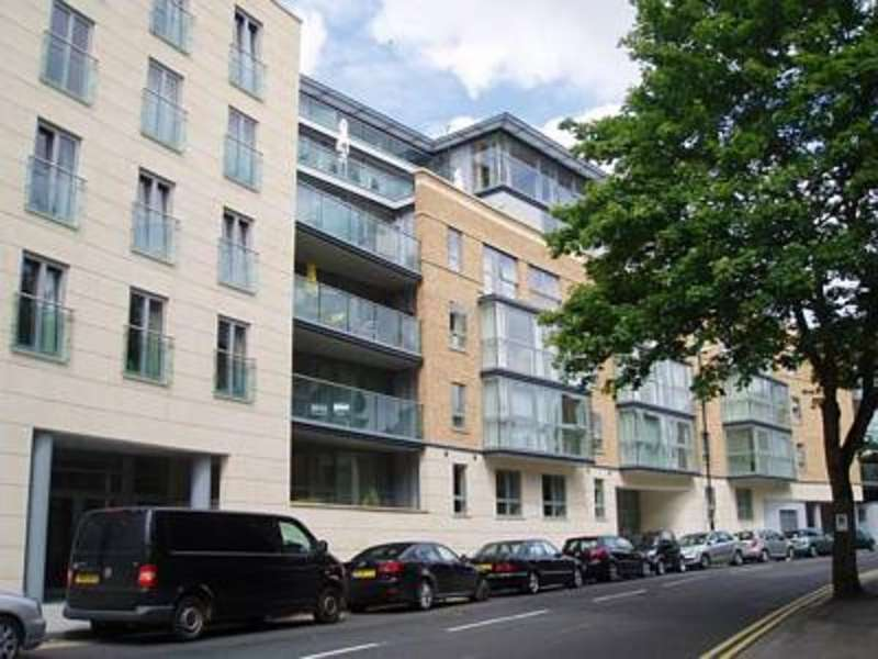 2 Bedrooms Apartment Flat for rent in Clifton Village, North Contemporis BS8 4HH