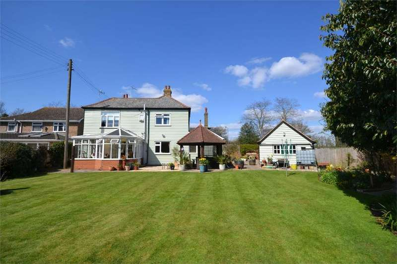 4 Bedrooms Detached House for sale in Holloway Road, Heybridge, Maldon, Essex