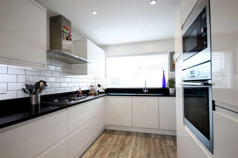 3 Bedrooms House for sale in Flowers Close, Hamble, Southampton