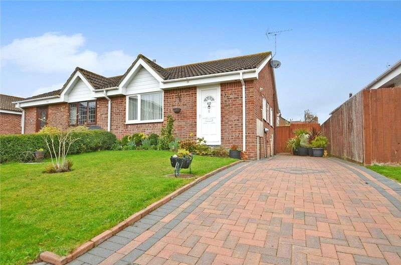 2 Bedrooms Semi Detached Bungalow for sale in Pauls Way, Crossways, Dorchester