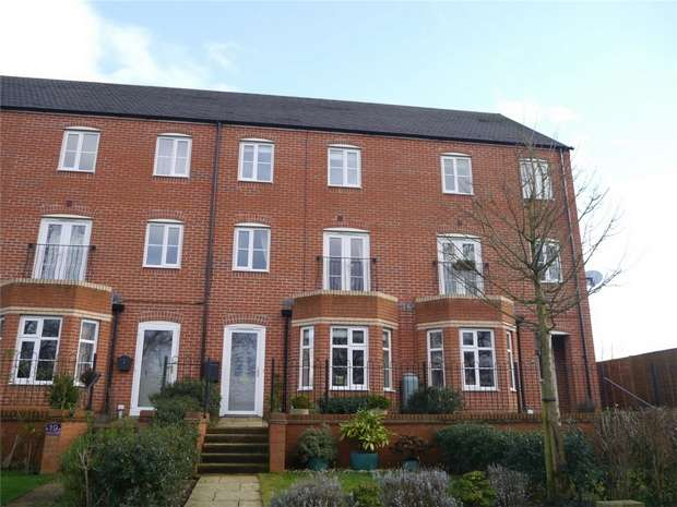 3 Bedrooms Town House for sale in Melrose Walk, Rosefields, Tewkesbury, Gloucestershire