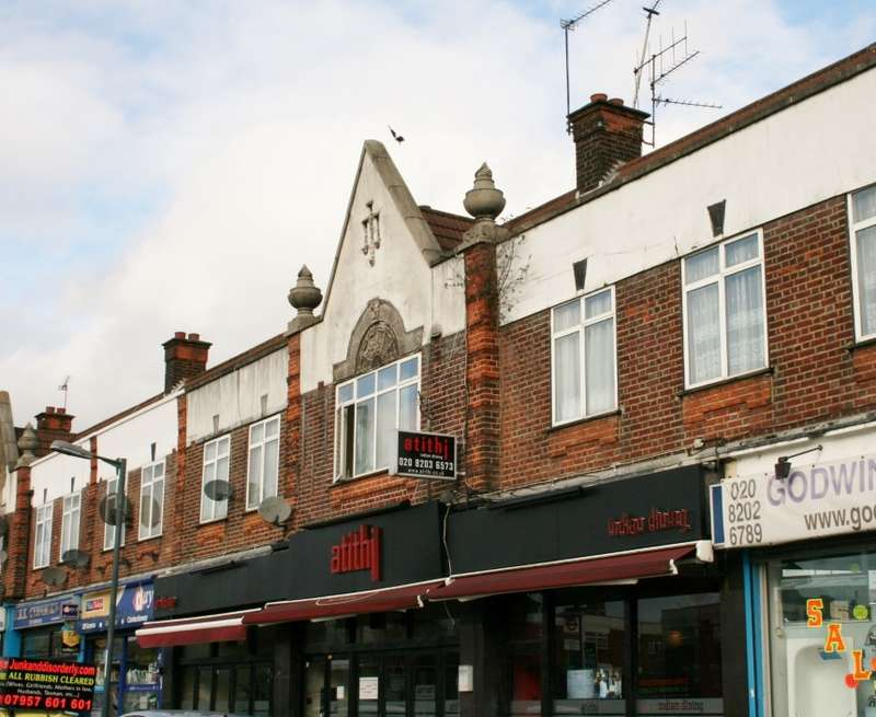 2 Bedrooms Flat for sale in Watford Way, Mill Hill, London, NW7 2QJ