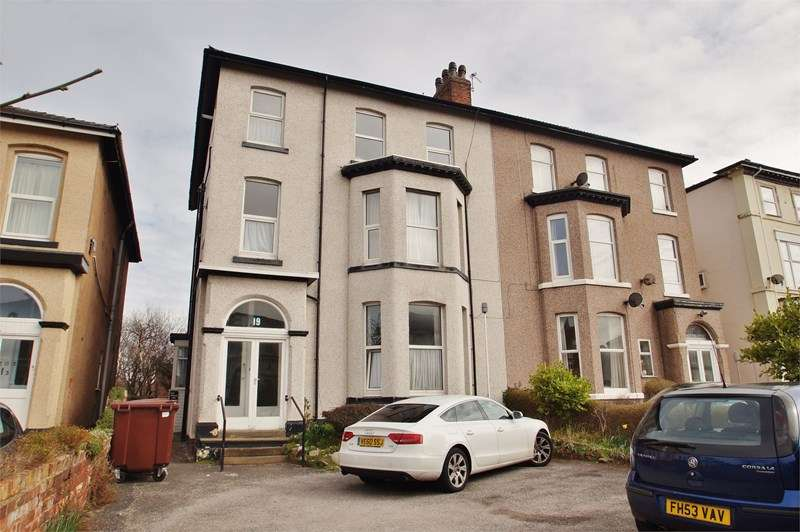 7 Bedrooms Semi Detached House for sale in Leicester Street