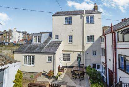 4 Bedrooms House for sale in Cliff Street, Whitby, North Yorkshire