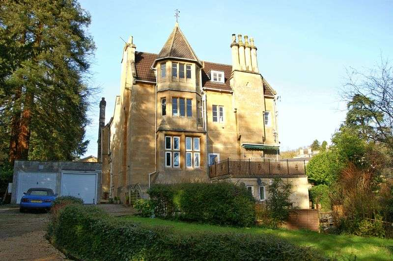 3 Bedrooms Flat for sale in Weston Park West, Bath