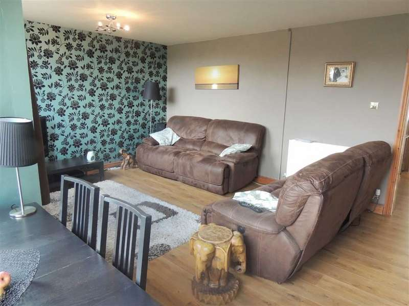 3 Bedrooms Property for sale in Portland Close, Hazel Grove, Stockport