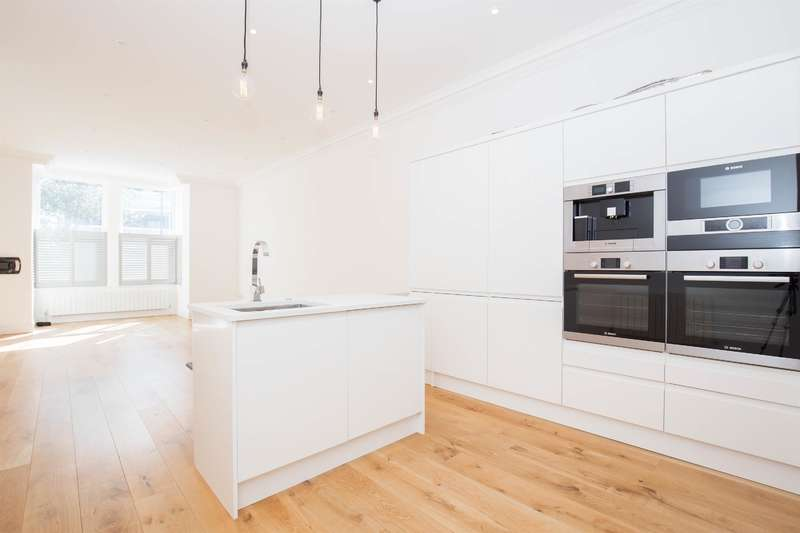 2 Bedrooms Ground Flat for sale in Montpelier Avenue , Ealing, W5