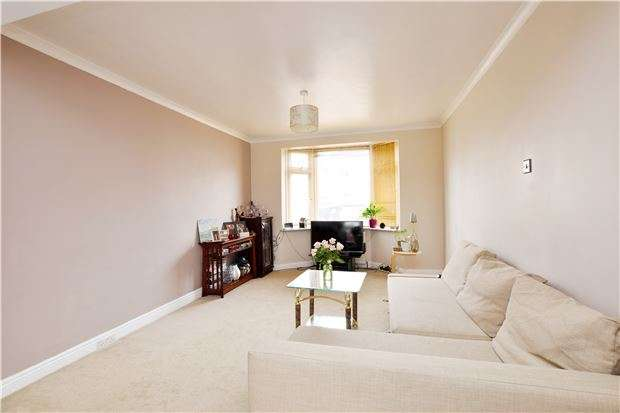 3 Bedrooms Semi Detached House for sale in Well situated Semi Detached home just 1.2 miles from Romford Station