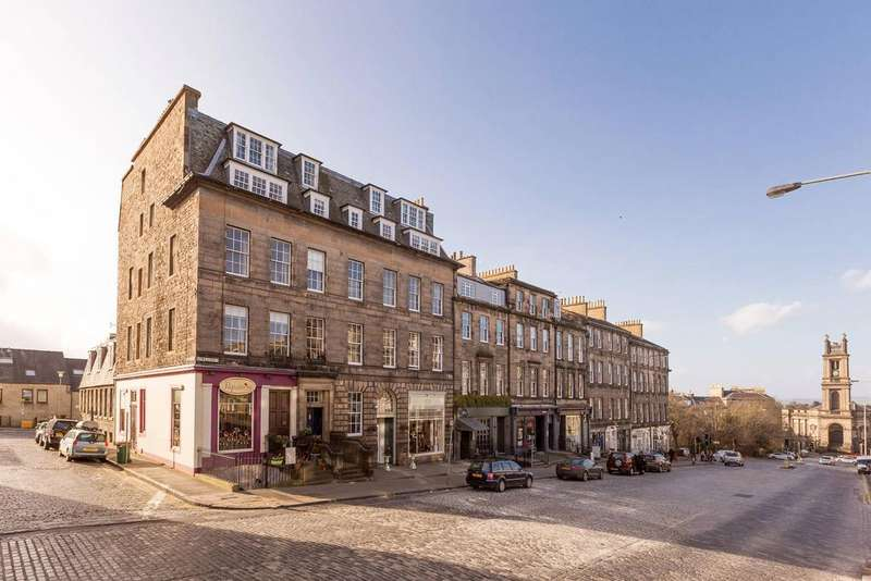 3 Bedrooms Flat for sale in 20/7 Howe Street, New Town, EH3 6TG