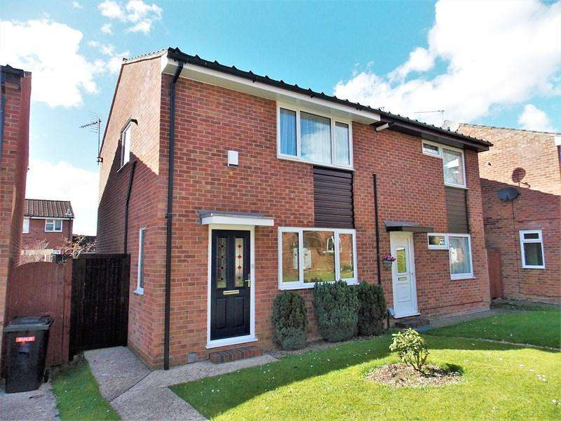 2 Bedrooms Semi Detached House for sale in Colliston Walk, Calcot, Reading