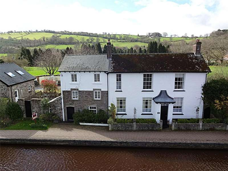 4 Bedrooms Detached House for sale in Canal Bank, Brecon, Powys