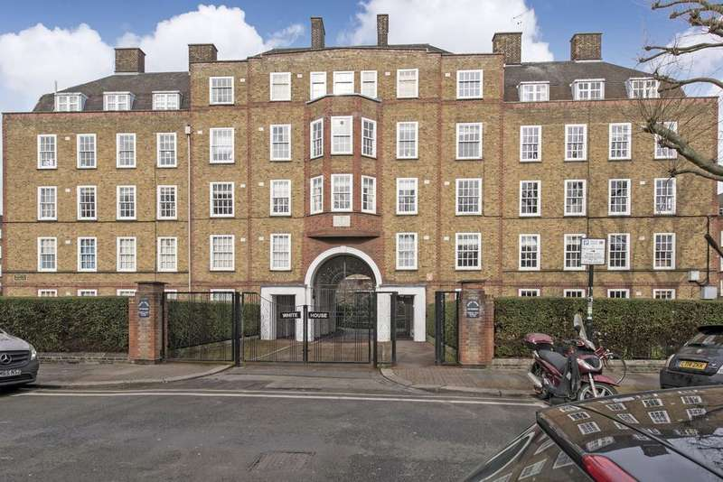 3 Bedrooms Flat for sale in Vicarage Crescent, SW11