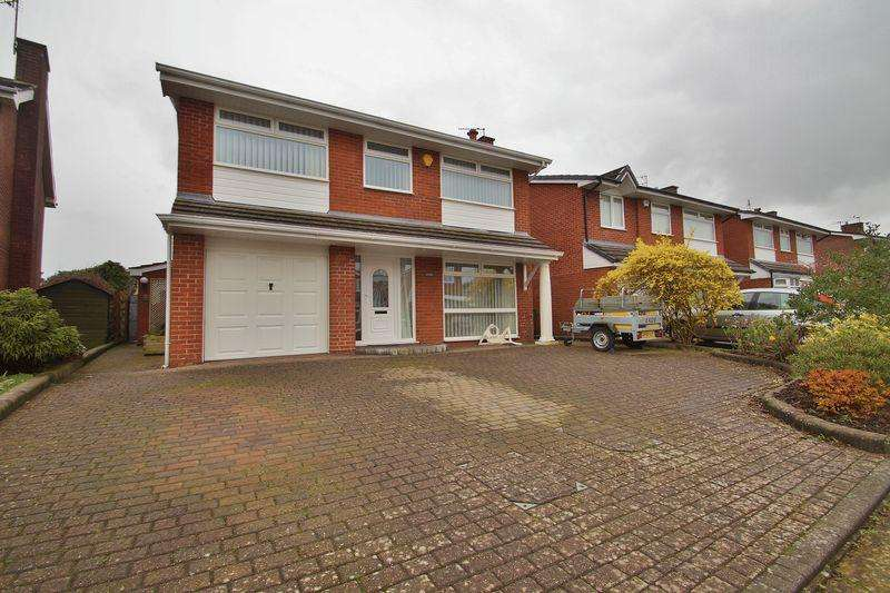 4 Bedrooms Detached House for sale in Harbury Avenue, Ainsdale