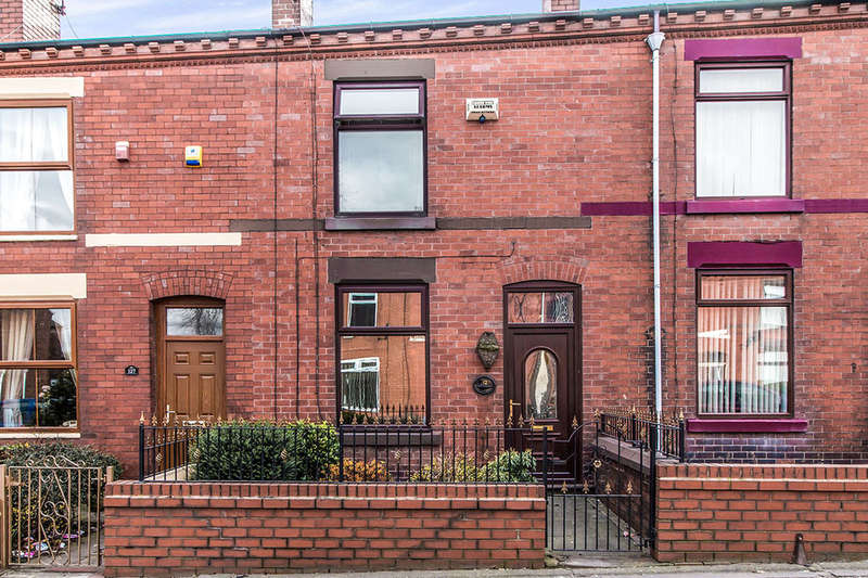 3 Bedrooms Property for sale in Tyldesley Road, Atherton, Manchester, M46