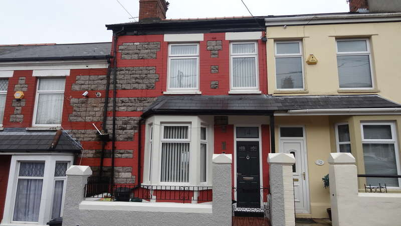 2 Bedrooms Terraced House for sale in St Oswalds Road, Barry