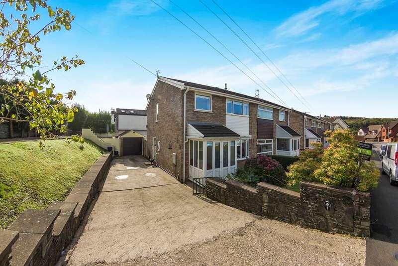 3 Bedrooms Semi Detached House for sale in Trelys Close, Fleur De Lis, BLACKWOOD