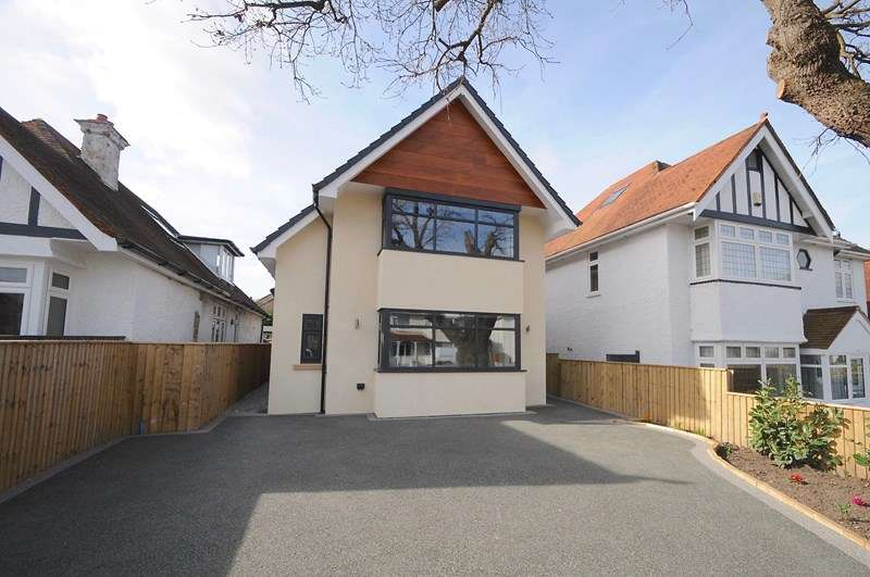 4 Bedrooms Detached House for sale in Sandbanks Road, Poole