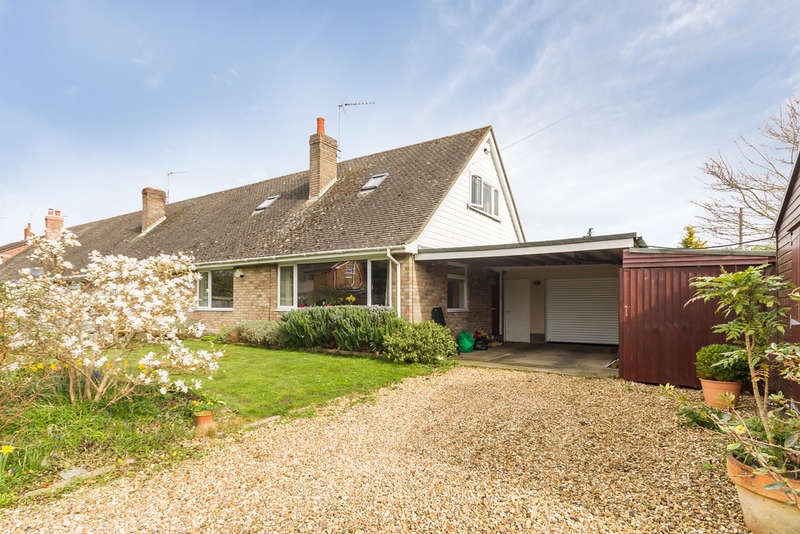3 Bedrooms Chalet House for sale in Ringwood, Hampshire
